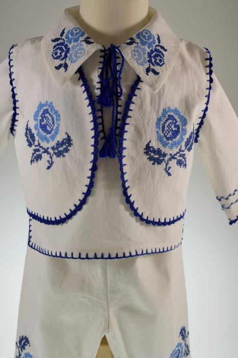 Costum traditional Pintea 4